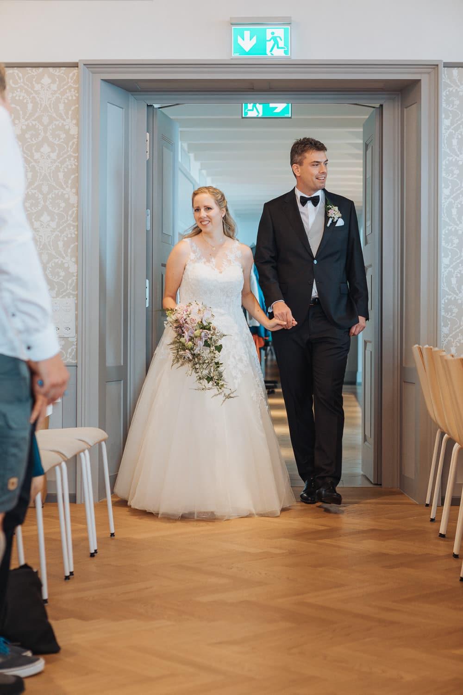 Einzug Brautpaar Trausaal