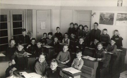 Als onderwijzer aan de ir. Lelyschool op de Ketelstraat in Den Haag, ±1962.
