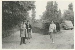 Met Willy en Erna bij Chateau Bleu, Den Haag, 1 juli 1956
