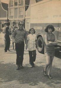 """""""1 aug. 1970, op weg naar Friesland met de v/d Goors. Uitstappen in de 'Zaanse Schans'"""""""