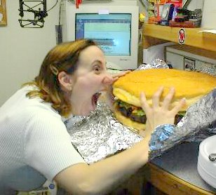 https://i0.wp.com/www.cornichon.org/archives/Giant%20burger.jpg