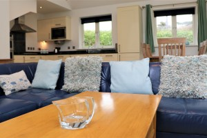 Bedruthan Holiday Cottage living room