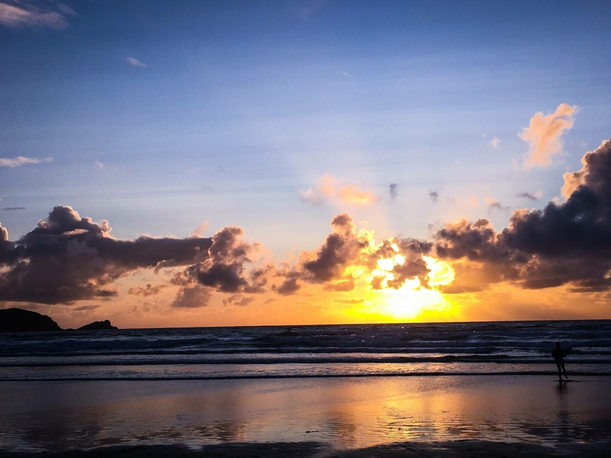 sunset at Fistral Beach Newquay Cornwall by Pixabay