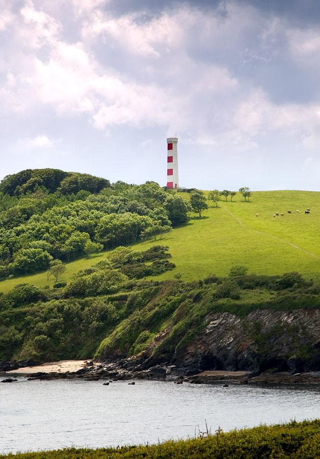 Daymark Gribbin Head Cornwall Guide