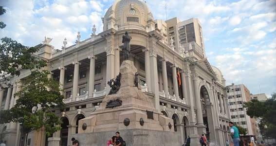 Municipio de Guayaquil reitera que mantendrá servicios de salud y de educación