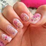 50feuilles Nail Art Stickers autocollants transfert d'eau à ongles manucure Tips ongles Stickers Décoration Couleur DIY ongles Outil de beauté Tatouage (différents motifs fleurs Papillons.)
