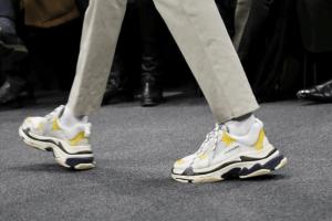 sneakers grosse uomo, balenciaga, tendenze scarpe uomo inverno 2019