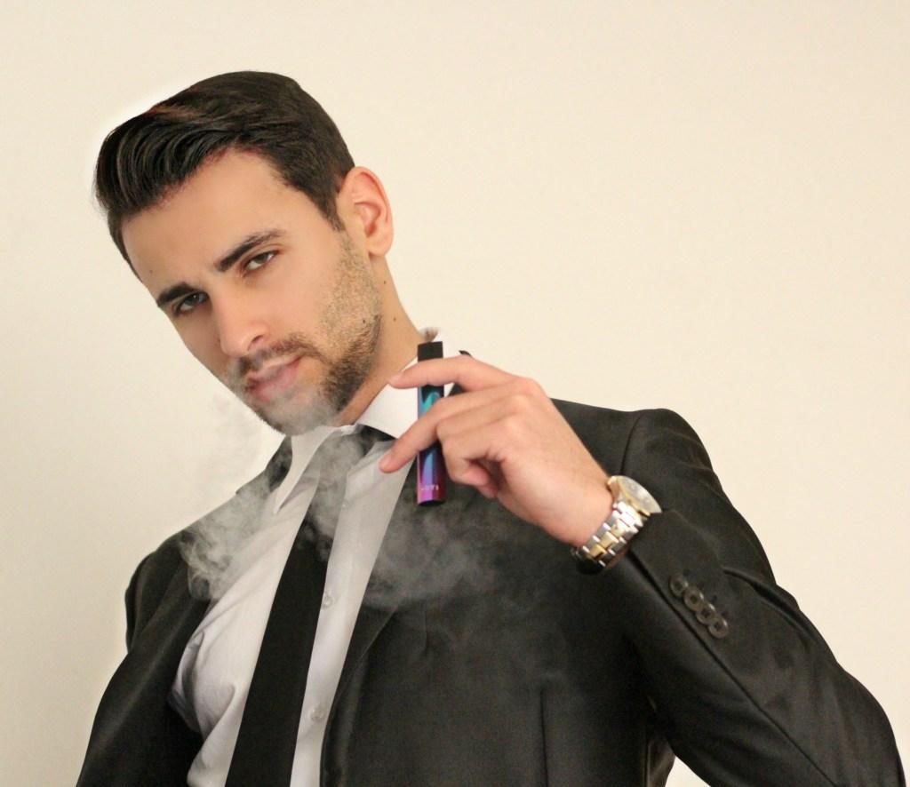 CORRADO FIRERA, BLOGGER ITALIANI, WEB INFLUENCER più famosi, sigaretta elettronica moti
