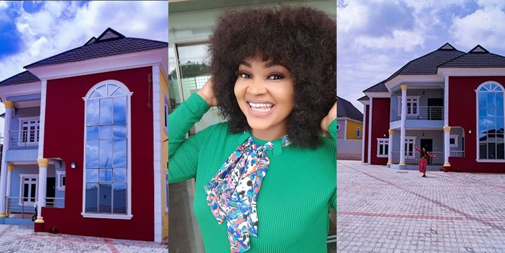 Nollywood actress, Mercy Aigbe acquires a new mansion in Lagos (Photos)