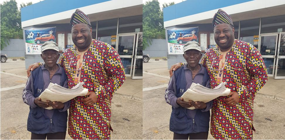 Nigerians slam Dele Momodu for showing off his friend of 20 years who sells Newspapers