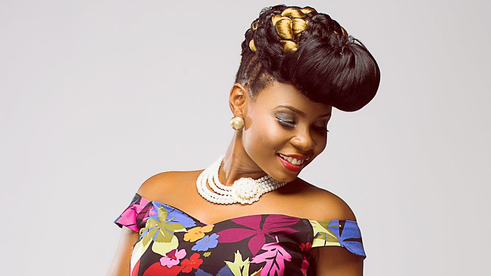 'Stop increasing your ynash' – Yemi Alade tells colleagues who increase their butts in photos