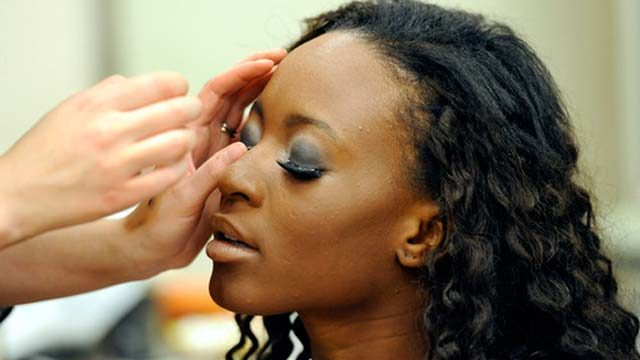 Experts Warn Ladies Of These Serious Conditions That Could Be Caused By The Improper Fixing Of Eyelashes