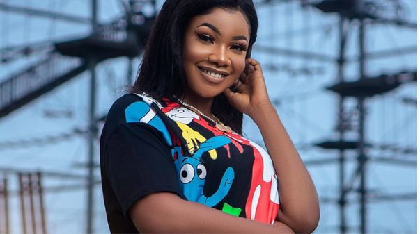 Tacha causes chaos at Cool FM with her twerk