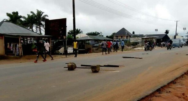 Delta State Polytechnic students go on massive protest, shutdown major roads following school's ban on students driving vehicles