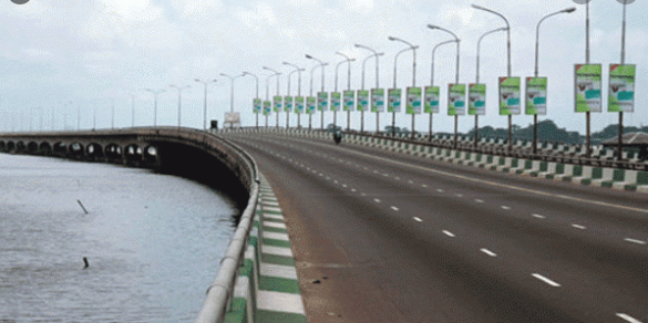 Another man jumps into the lagoon from third mainland bridge