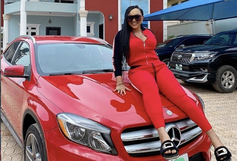 Nollywood actress, Mercy Aigbe buy beautiful red Mercedes Benz