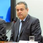 Danilo Cabral retoma atividades na Câmara Federal