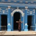 Promessa paga: após caminhada de 115 km, Lucas deixa cruz na Igreja das Graças, em Recife