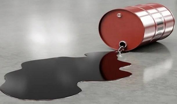 Irã considera adequado preço de US$ 50 por barril e mantém corte na produção de petróleo