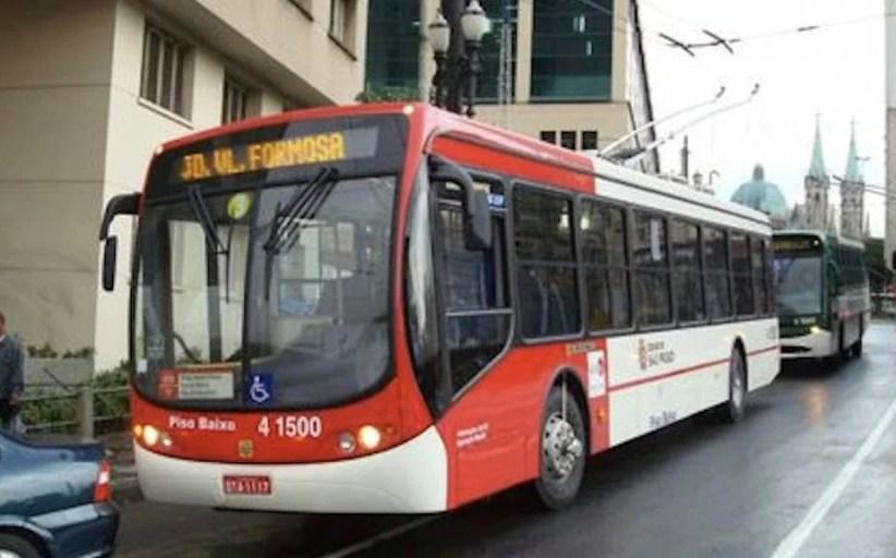 Reajuste de tarifas de ônibus passa a valer em SP