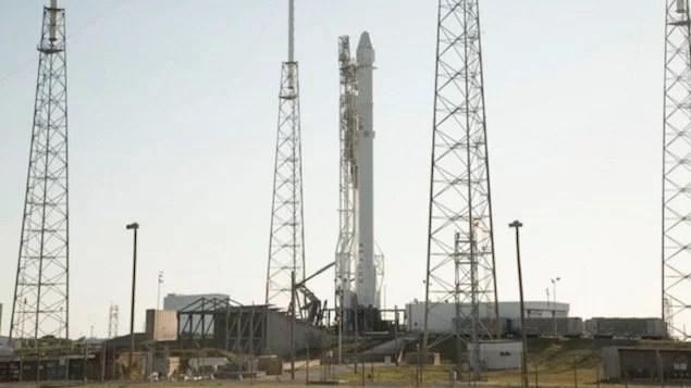 Foguete Falcon 9 é lançado com importantes suprimentos para EEI