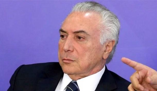 Encurralado, Temer concorda em deixar o Planalto sem resistência