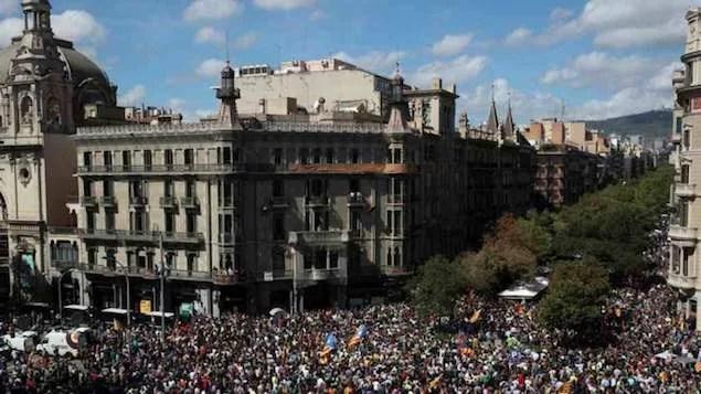 Polícia prende autoridades catalãs em operação contra referendo de independência