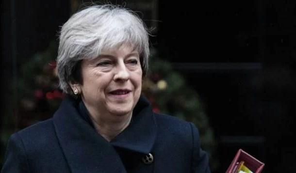 May tenta unificar seu gabinete para enfrentar negociação do Brexit