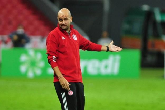 Miguel Ramírez sugere Inter com variações de esquema e admite chance de atuar com dois centroavantes