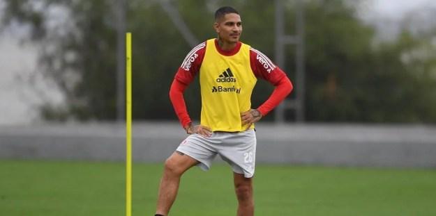 Guerrero não tem data para voltar aos gramados