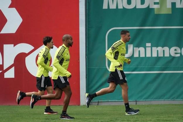 Inter prioriza renovações com Patrick e Paolo Guerrero