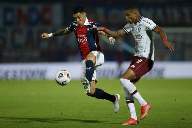 Cerro Porteño teve gol mal anulado pelo VAR