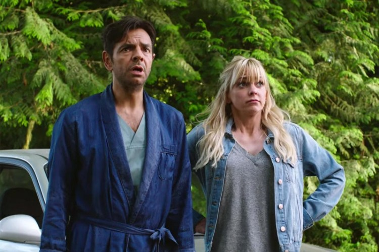 New Trailer – OVERBOARD Starring Eugenio Derbez & Anna Faris