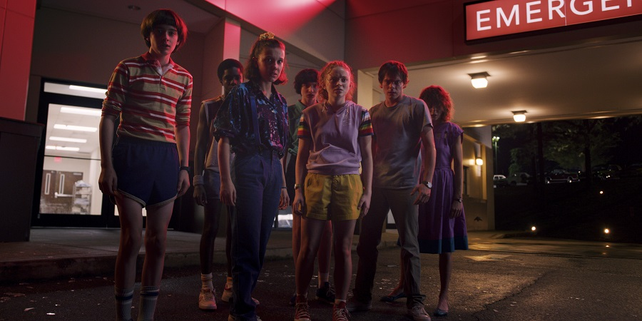 Netflix's STRANGER THINGS S3 | Trailer Debut