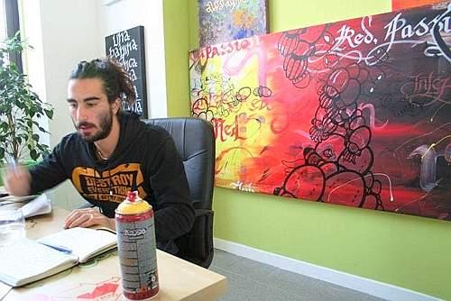 Ivan Tresoldi nel suo studio di art kichen (A. Craighero)