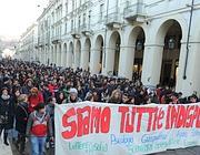 Corteo degli universitari a Torino (Ansa)