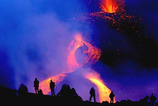 Risultati immagini per immagini spettacolari dell'Etna