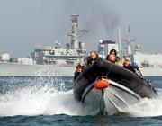 Una foto d'archivio di un gommone di marines britannici impegnato in un pattugliamento nel Golfo Persico (Afp)