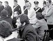 Giovanni Ventura (con la barba) al processo per l'attentato ai treni del 12 dicembre 1969 per cui è stato condannato con Franco Freda (con gli occhiali)