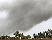 Le colonne di fumo a Tripoli (Ap)
