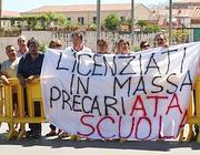 La protesta dei precari Ata a Palermo (Ansa)