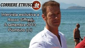 Rocco Siffredi sulla spiaggia di Carlappiano