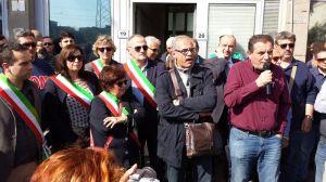Gabrielli interviene davanti alla portineria Lucchini