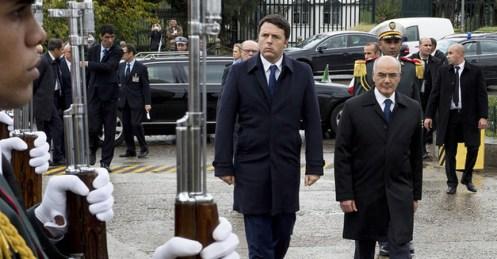 Il premier Matteo Renzi con il collega algerino Abdemalek Sellal ad Algeri (foto Presidenza del Consiglio)