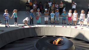 l'interno del monumento al genocidio