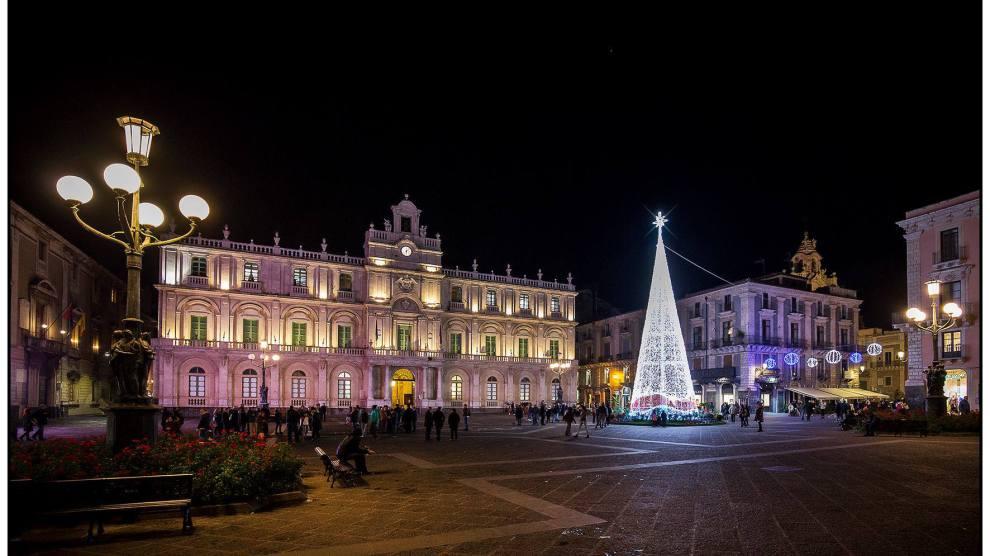 Vacanze, Natale con i tuoi…ma a Catania: boom di voli prenotati per il capoluogo etneo