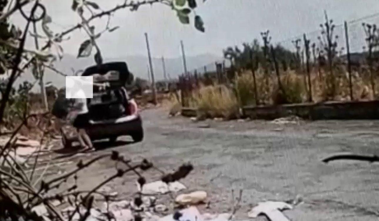 """Biancavilla, la telecamera del Comune becca """"insozza strade: multa di 2 mila euro (VIDEO)"""