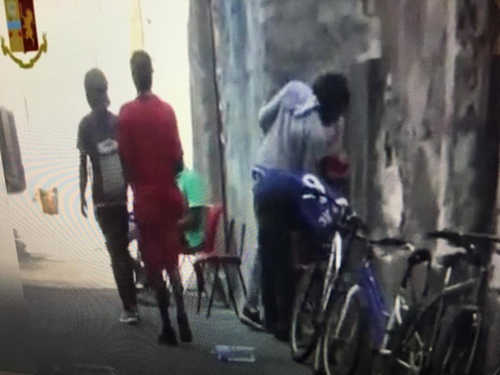 Catania, ladri di biciclette a San Berillo Vecchio: indagati 7 extracomunitari (VIDEO)