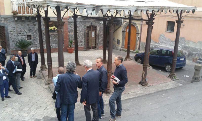 Adrano, la 'lente' della magistratura sul restauro del gazebo dell'ex Pescheria