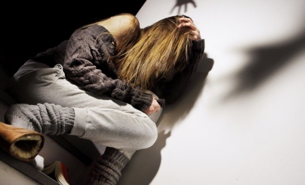 Acireale, sequestra l'ex fidanzata e la minaccia di morte: la madre della vittima chiama i Carabinieri